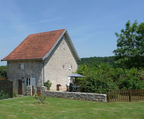 Idyllic 16th Century Stone Cottage - Boudreville - House