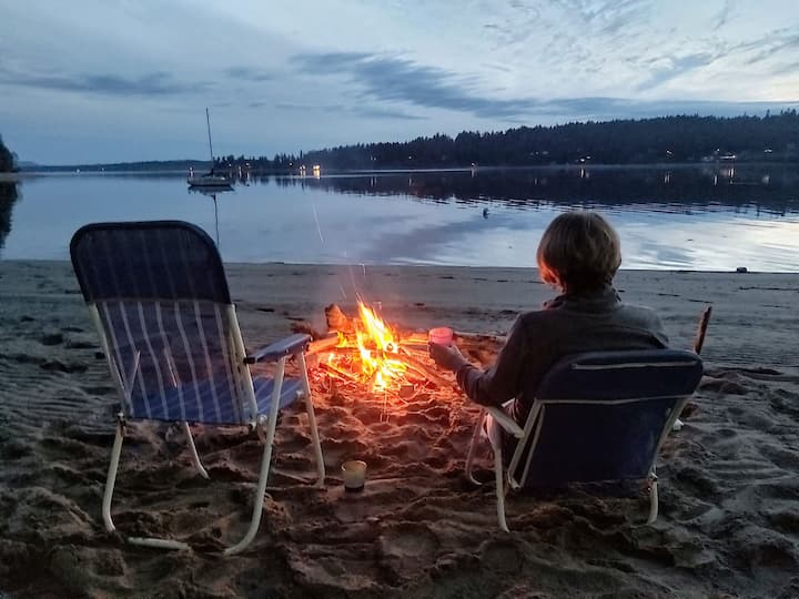 Paradise at beach side cabin, Puget Sound