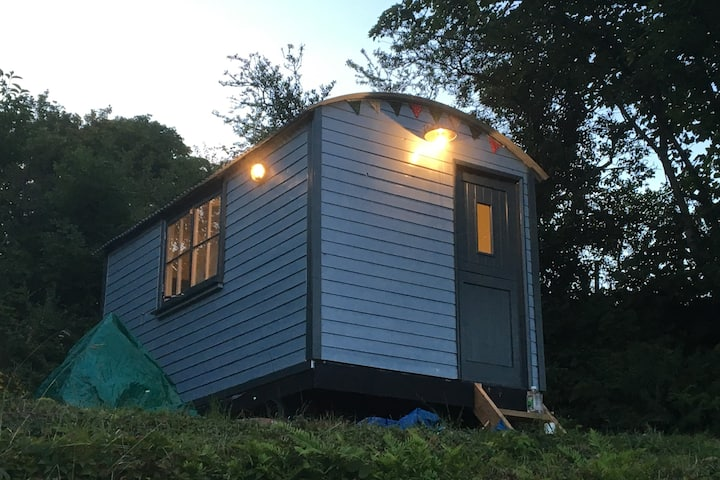 Traditional Shepherds Hut with Stunning Views