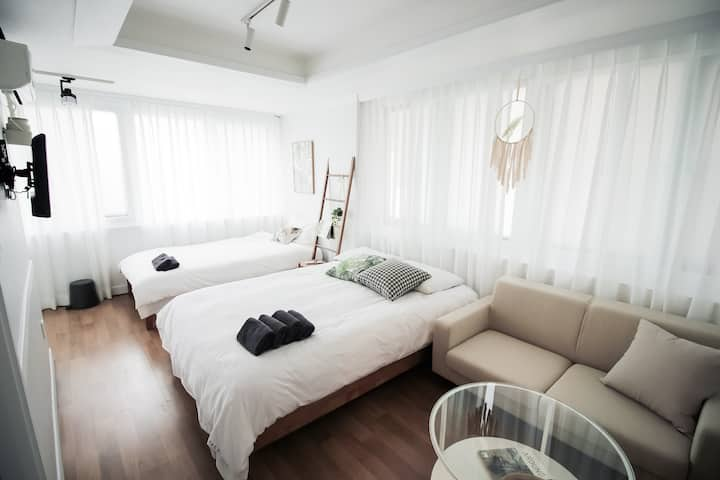 H21★Beautiful Studio★ in hongdae Seoul  [中文&Eng]
