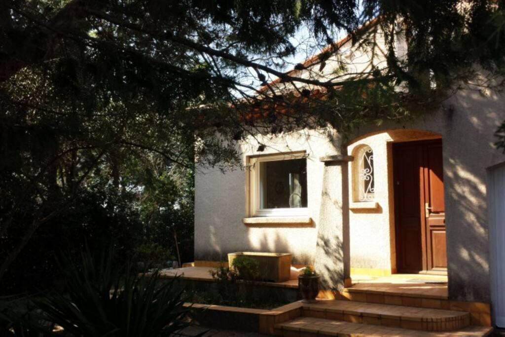 t2 meubl 233 dans villa jardin parking maisons 224 louer 224 montpellier languedoc roussillon