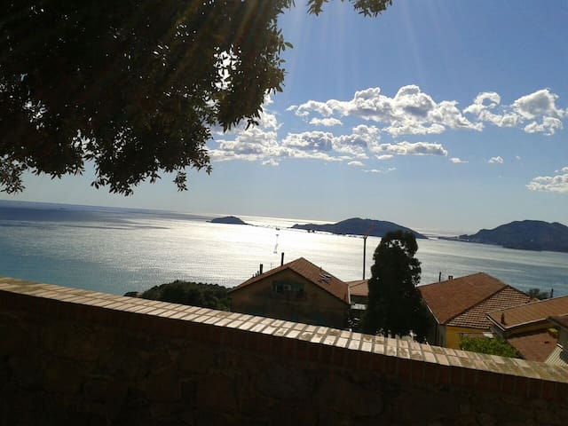Nice small cosy apartment with sea view - Lerici - Apartemen