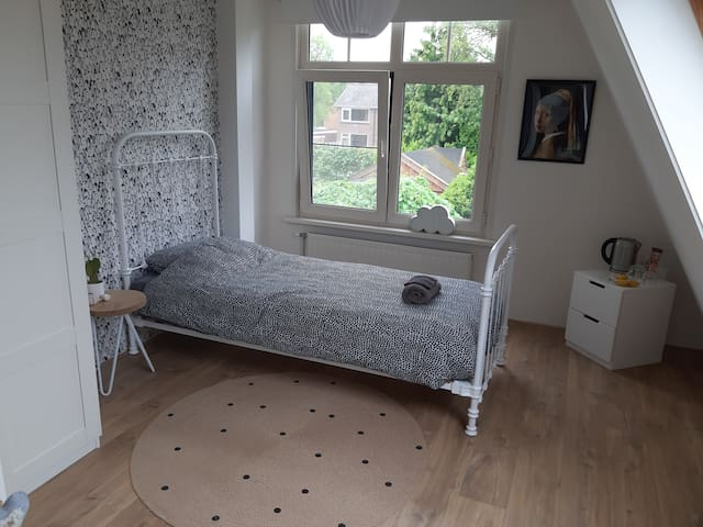 Nette 1 persoons privékamer nabij centrum Assen