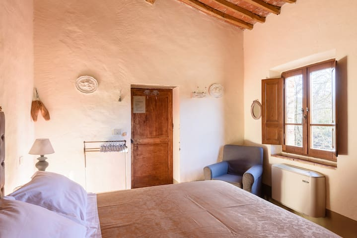 Suite in Tuscany - Farnetella - B&B