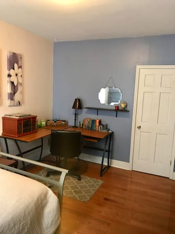 Guest Room - office space