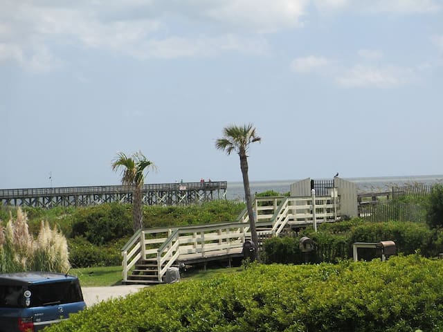 Oceanfront 1 Bedroom Condo with pool access - 棕櫚島(Isle of Palms) - 公寓