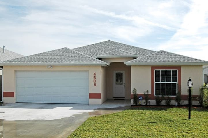 Luxury Rental in Sebring - Sebring - Hus