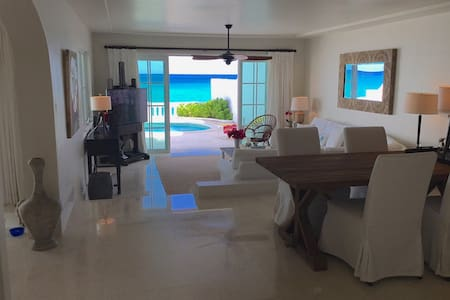 Oceanfront Home With Private Pool & Beach Access - Nassau - Haus
