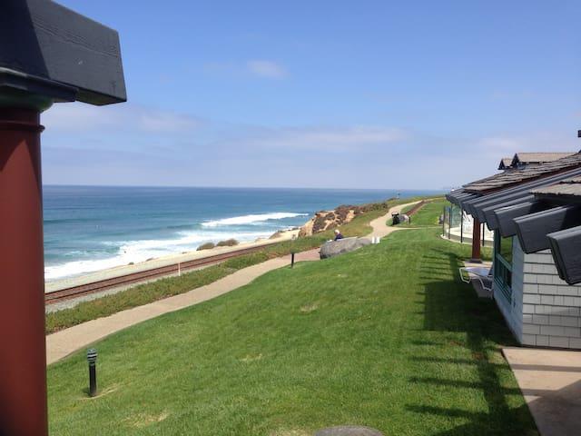 Spectacular Ocean views! Walk to fairgrounds!