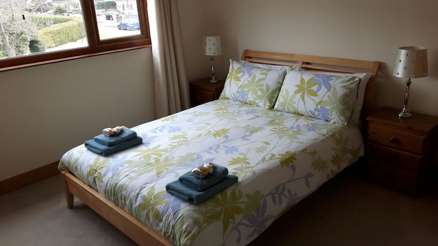 Double Room with desk in Dublin - Teach Mealóg - Huis