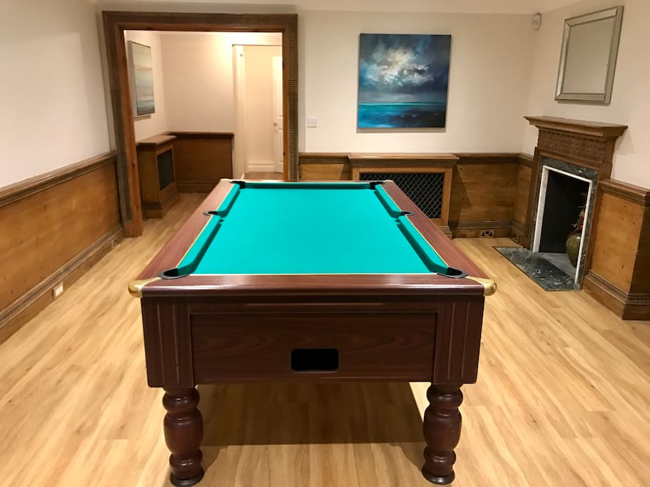 Pooltable in hallway