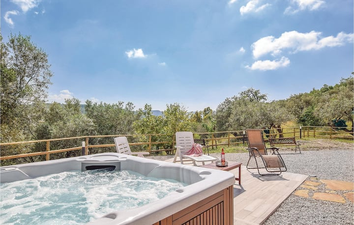 Holiday cottage with 4 bedrooms on 270m² in Olgiastro Cilento