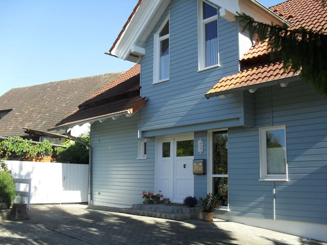 Charmante Privatunterkunft in einem Weinort - Schallstadt - Bed & Breakfast
