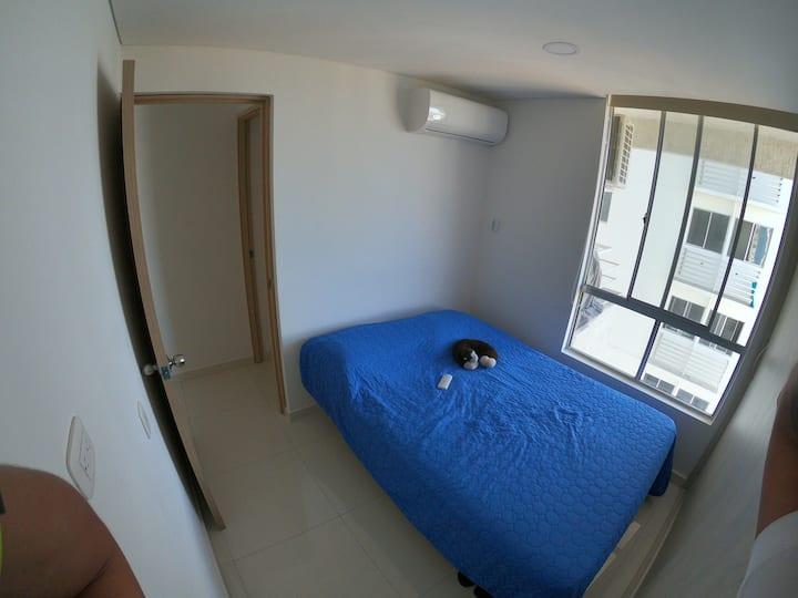 Rento hermosa habitación vista piso 17 aqualina