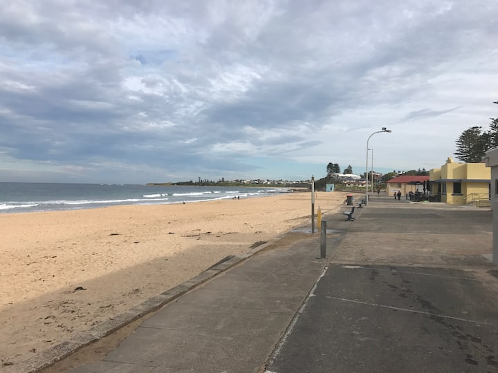 Thirroul Beach Nest - Two Bed Unit.