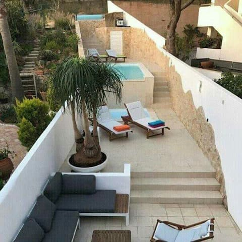 Vila with 2 bedrooms private pool, near the beach
