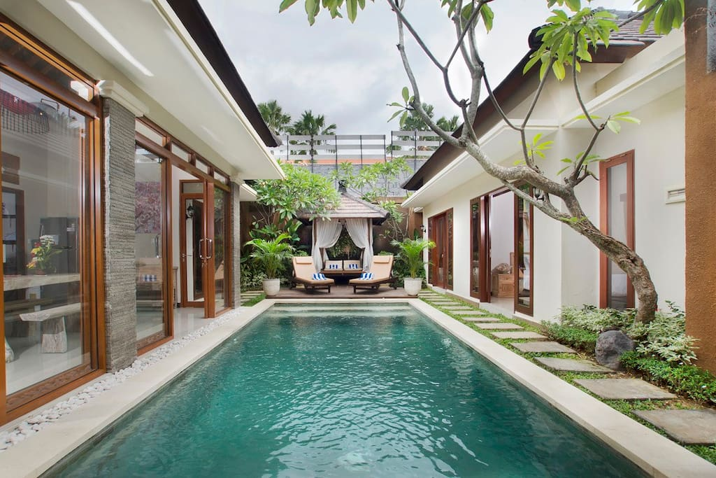 Promorate villa ashna center seminyak villas for rent in for Top ten boutique hotels
