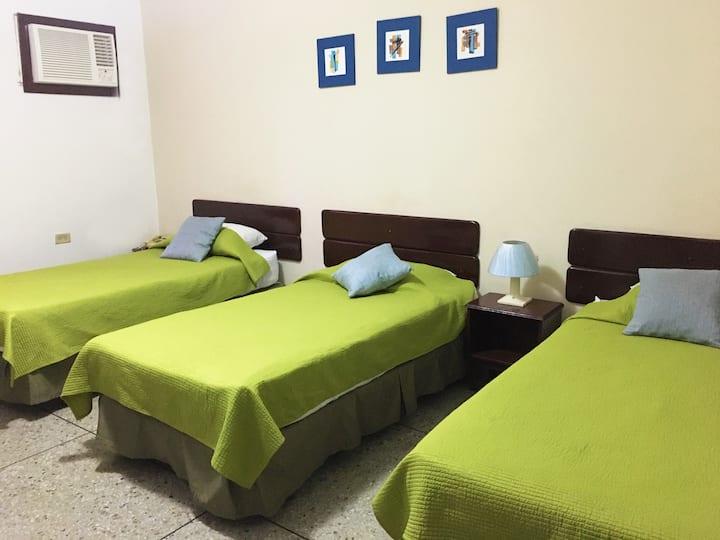 Habitacion triple para hospedarse en Maracaibo