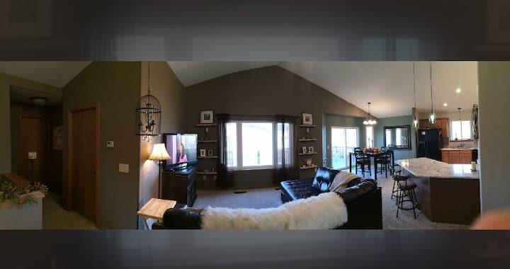 Black Hills Retreat, Center of it all, Sleeps 10!