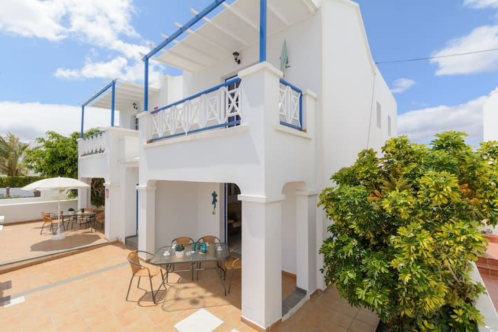 Charming Apartment Close to Beach with Patio, Wi-Fi & Mountain Views