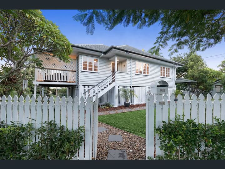 A home away from home in lovely Mitchelton