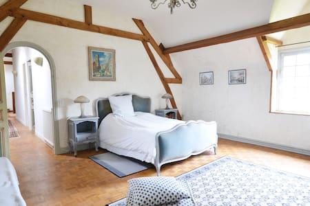 Suite chambre double - Le Plessis-Hébert
