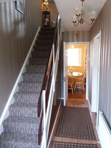 3 bedroom apartment, quiet res area - Cranmore - Dom