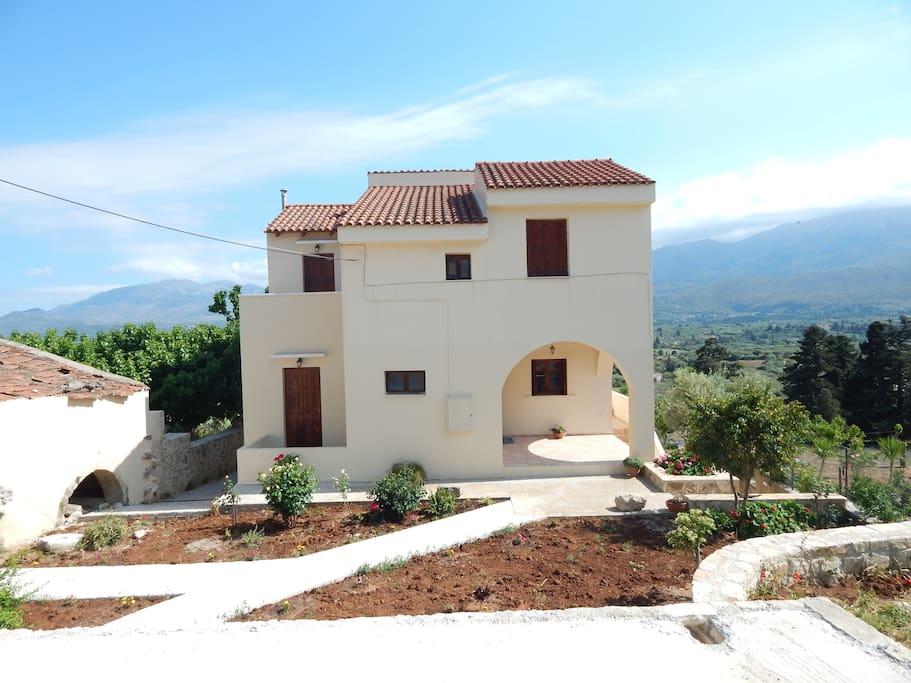 Kaina house casas en alquiler en kaina creta grecia for Residencias en alquiler