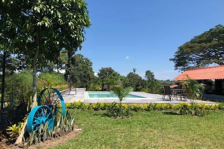 Finca Hotel La Brasilia vía Tebaida, Quindio