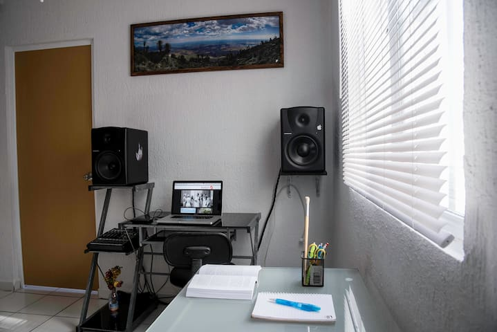 No computer and audio system