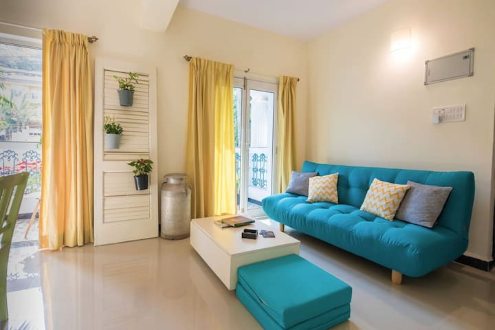 Boutique lux art-themed guesthouse, Siolim: 5 apts
