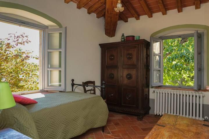 Le Scuderie bedroom 8: single bedroom / camera singola