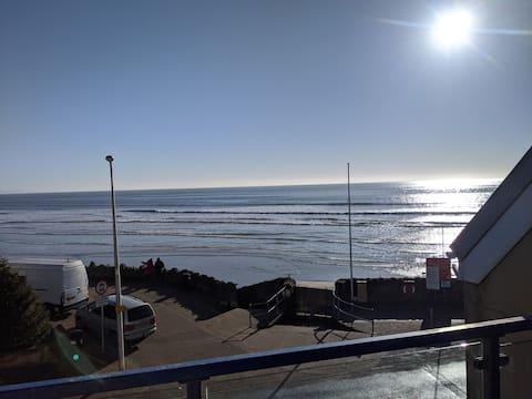 Rantatalo, upeat merinäkymät. Koirat tervetulleita