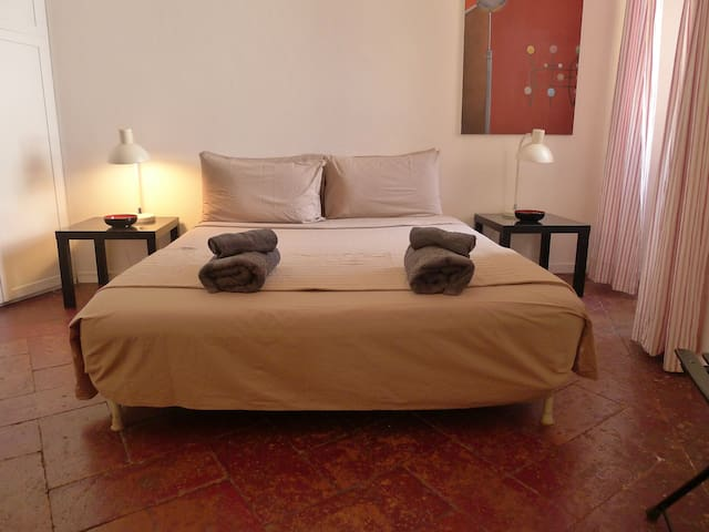 Bedroom, king size bed 160X200 cm