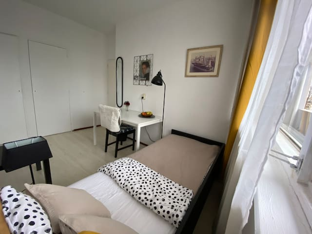 Sleep&Ride** in Rotterdam Charlois - monthly stay