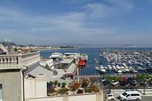 Estación marítima de ría, con los barcos a Vigo y a las Islas Cíes // Maritime Station