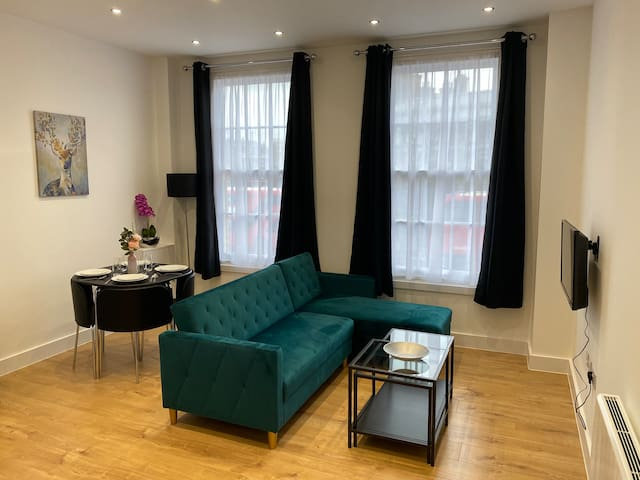 1 bedroom flat in Camberwell Green