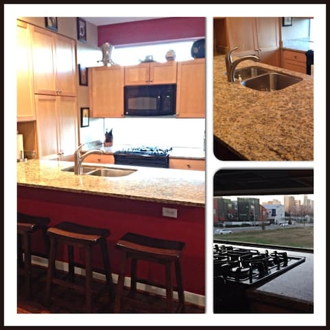Great location, dog, and view! - Houston - Szeregowiec