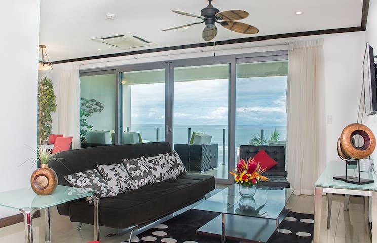 Beautiful Ocean Front 2 BR Condominium 4 floor