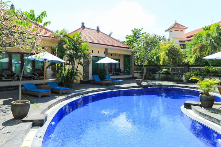 Cottage with Pool near to Watersport Tanjung Benoa