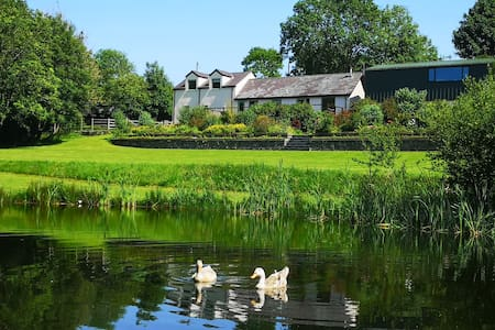 Hendre Wen, Idyllic retreat in beautiful grounds