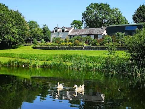 Hendre Wen, Idyllic retreat in beautiful grounds