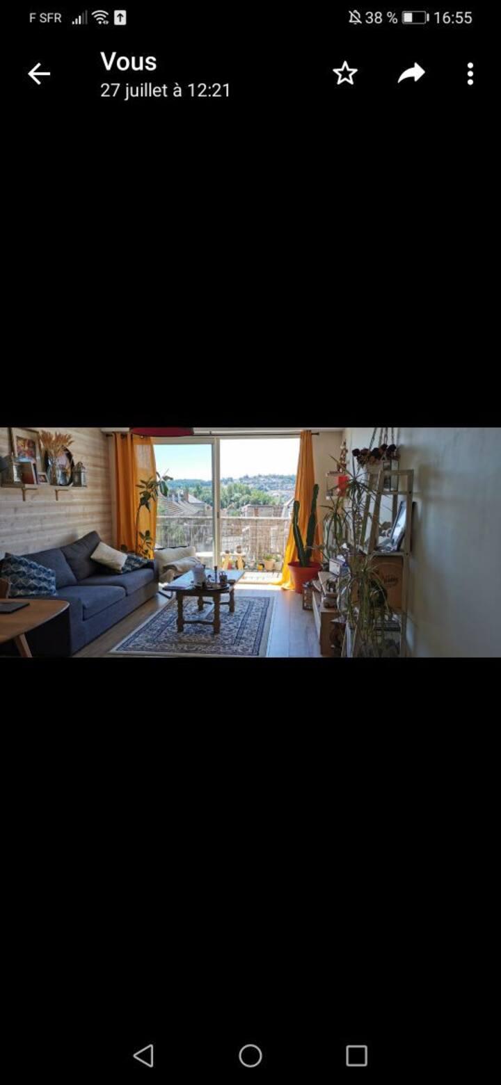 Joli appartement des années 70 refait à neuf