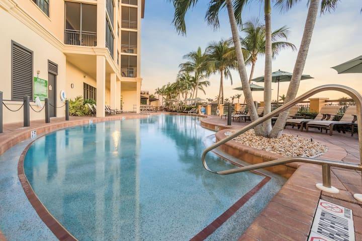 Outdoor Pool, Hot Tub + Beach Shuttle | Premium Villa with Air Conditioning