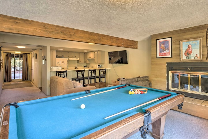 NEW! Slope-View Condo w/Pool Table: 6Mi to Skiing!