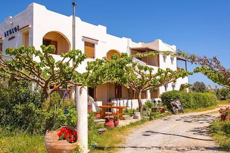Aeolos studio 2 - Frangokastello, Sfakia, Crete