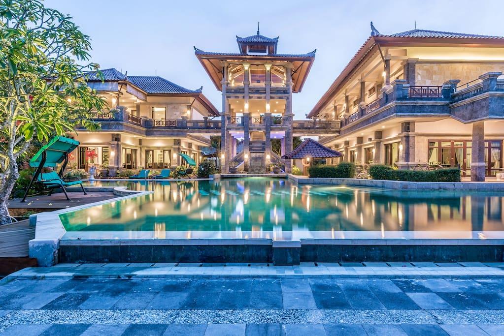 Huge 6b Private Castle Villa Located In Nusa Dua Villas For Rent In Kuta Selatan Bali Indonesia