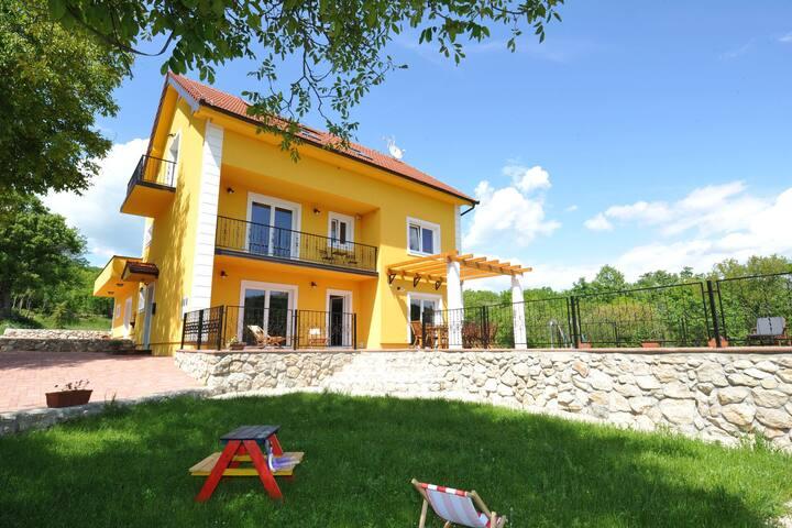 Villa in zona appartata ideale per massimo relax
