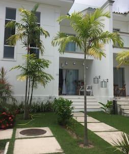 Ótima casa em condomínio em frente ao mas - Porto Seguro
