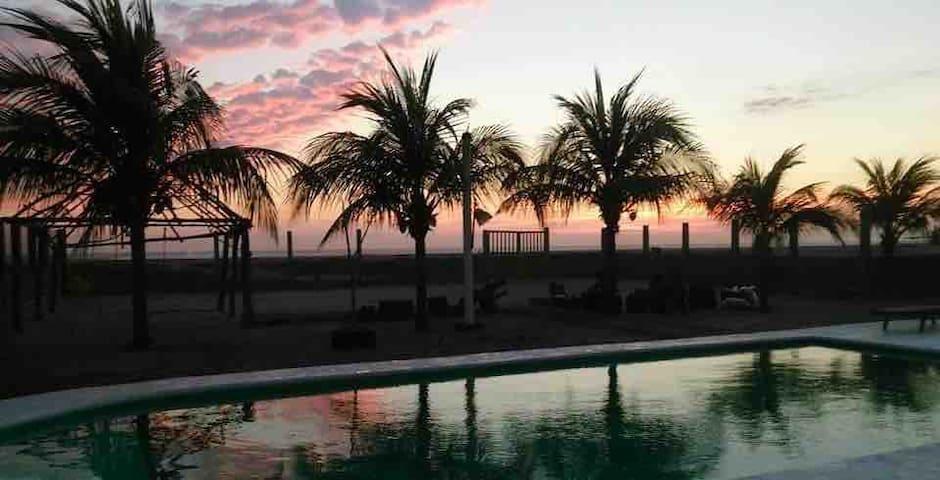 """Playa Linda, Casa de Playa """"El paraíso"""""""